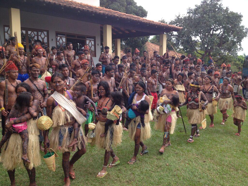 Indígenas reúnem-se para assembleia em Brasilia - Foto: Brent Millikan